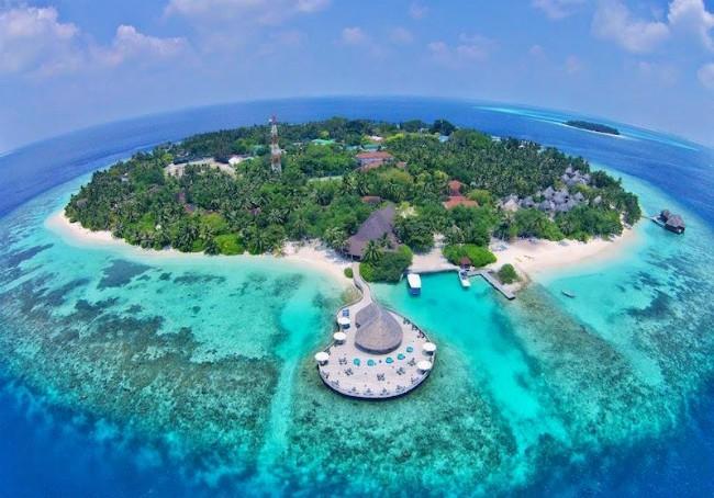 Отель Bandos Island Resort 4* снижает цены на проживание