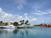 Бухта Marine Village на острове Парадайз