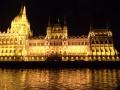 Парламент в ночи
