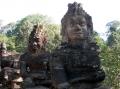 У входа в Ангкор Том