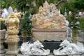 Скульптуры из китайского мрамора у входа во вьетнамские Мраморные горы. Дананг