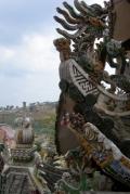 Фасады пагоды Чуа Линь Фуок, украшенные фарфоровыми осколками. Наверное, собирали по всему Вьетнаму-). Далат