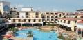Внутренний двор отеля, бассейн и пляжная зона в Созополе