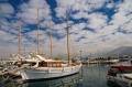 Яхты, пришвартованные в морском порту в Аттике - курортной зоне неподалеку от Афин