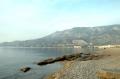 Пляж и горы в Лутраки