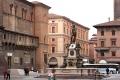 Вид на фонтан Нептуна на одноименной площади в Болонье