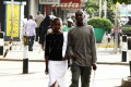 Местные жители и гости Найроби в центре города